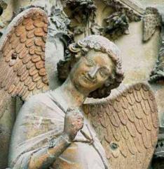 Ange souriant de Reims.jpg